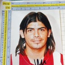 Coleccionismo deportivo: FOTO FOTOGRAFÍA JUGADOR FÚTBOL ATLÉTICO DE MADRID. 2008 2009. FIRMA AUTÓGRAFO. EVER BANEGA. 3302. Lote 244733630