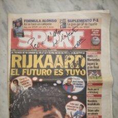 Coleccionismo deportivo: FIRMA CON DEDICATORIA JOAN LAPORTA - PRESIDENTE F.C. BARCELONA (BARÇA) EN DIARIO SPORT - AÑO 2004. Lote 246583910
