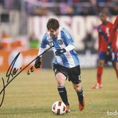 Coleccionismo deportivo: LEO MESSI. AUTÓGRAFO, FIRMA ORIGINAL, AUTOGRAPH. F.C. BARCELONA. 18X29 CM. FÚTBOL. ARGENTINA.. Lote 252039895