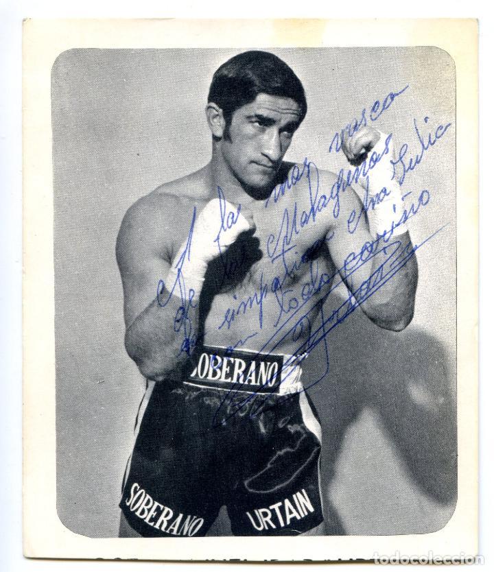 JOSÉ MANUEL IBAR, URTAIN, BOXEADOR EN 1970, CON DEDICATORIA AUTÓGRAFA 11X13 CM. (Coleccionismo Deportivo - Documentos de Deportes - Autógrafos)