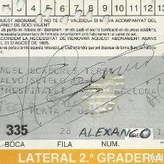 Coleccionismo deportivo: CARNET ABONAMENT ABONO 1984-85. F. C. BARCELONA. FIRMA, AUTÓGRAFO DE ALEXANCO. 7X11 CM.. Lote 265929173
