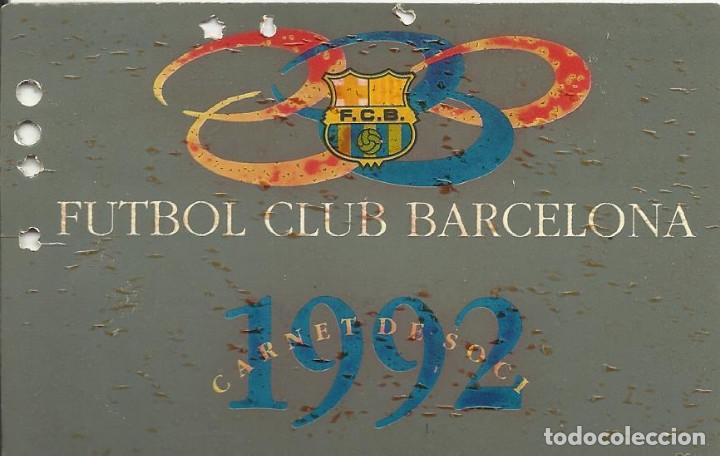 Coleccionismo deportivo: Carnet Soci 1992. F. C. Barcelona. Firma, autógrafo de Ronald Koeman. 7x11 cm. - Foto 2 - 265930828