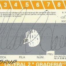 Coleccionismo deportivo: CARNET ABONAMENT ABONO ESPECIAL 1989-90. F. C. BARCELONA. FIRMA, AUTÓGRAFO MICHAEL LAUDRUP. 7X11 CM.. Lote 265931648