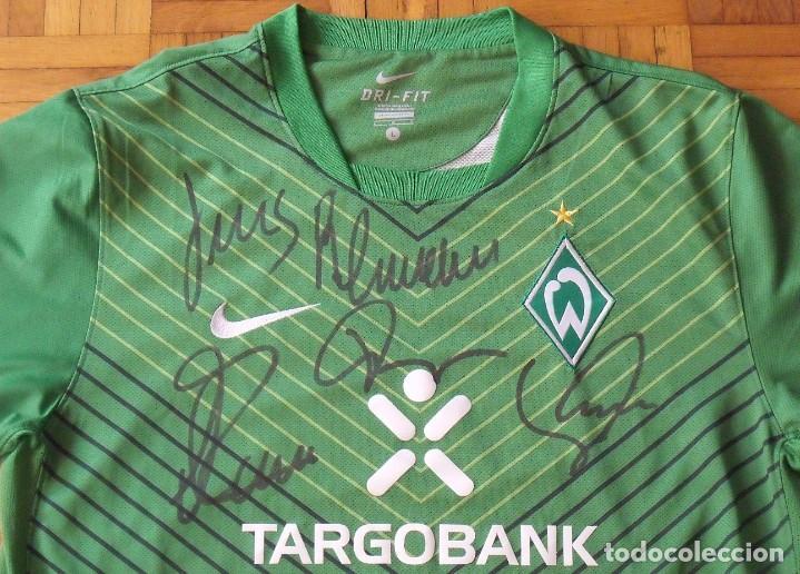 Coleccionismo deportivo: Camiseta Werder Bremen. Alemania. 2011-12. 12 autógrafos, autographs, firmas. Nike L. Targobank. - Foto 2 - 269838353
