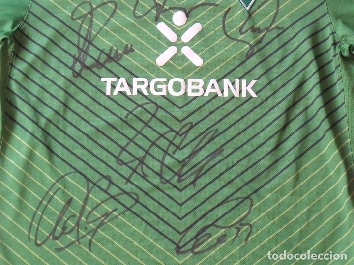 Coleccionismo deportivo: Camiseta Werder Bremen. Alemania. 2011-12. 12 autógrafos, autographs, firmas. Nike L. Targobank. - Foto 3 - 269838353