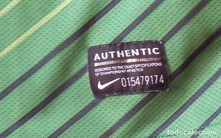 Coleccionismo deportivo: Camiseta Werder Bremen. Alemania. 2011-12. 12 autógrafos, autographs, firmas. Nike L. Targobank. - Foto 4 - 269838353