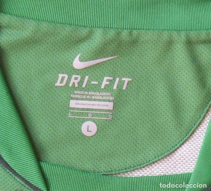 Coleccionismo deportivo: Camiseta Werder Bremen. Alemania. 2011-12. 12 autógrafos, autographs, firmas. Nike L. Targobank. - Foto 5 - 269838353