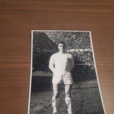 Colecionismo desportivo: FOTOGRAFIA DEL JUGADOR DEL FUTBOL DEL VALENCIA C . F . JOSÉ PAREDES GIMENO FIRMADA POR ÉL. Lote 274906913