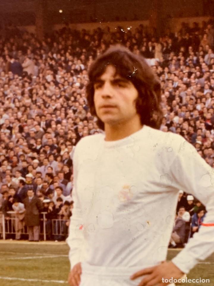 Coleccionismo deportivo: FOTO FUTBOL FIRMADA DEDICADA JUGADOR JUAN MORGADO REAL MADRID 1974 18X12,5CMS - Foto 5 - 285219778