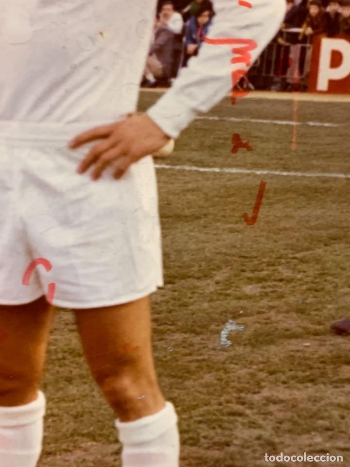 Coleccionismo deportivo: FOTO FUTBOL FIRMADA DEDICADA JUGADOR JUAN MORGADO REAL MADRID 1974 18X12,5CMS - Foto 8 - 285219778