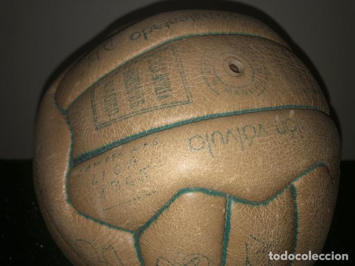 Coleccionismo deportivo: 1965 Balón Match worn Real Madrid firmado Puskas con COA Marca Invicto - Foto 3 - 288041118