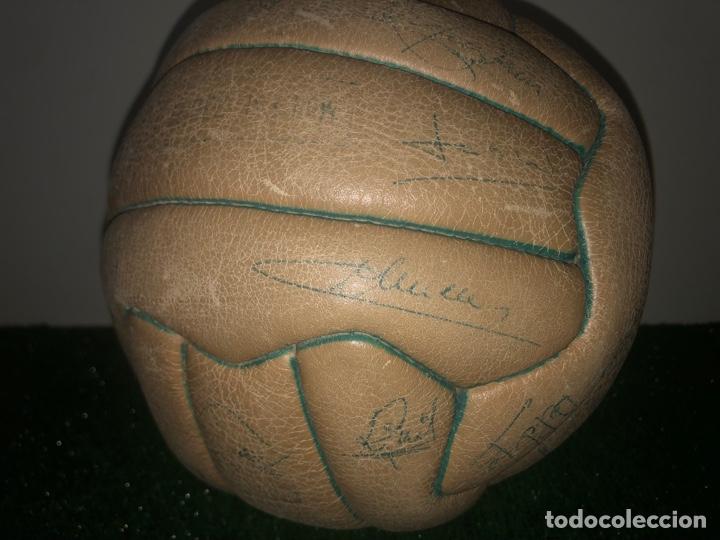 Coleccionismo deportivo: 1965 Balón Match worn Real Madrid firmado Puskas con COA Marca Invicto - Foto 5 - 288041118