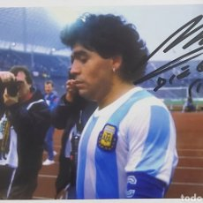 Coleccionismo deportivo: FOTO DE MARADONA CON ARGENTINA CAMPEÓN DEL MUNDO CON AUTOGRAFO Y COA CERTIFICADO DE AUTENTICIDAD.. Lote 288626813