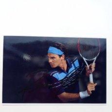 Coleccionismo deportivo: AUTOGRAFO FOTO ORIGINAL DE ROGER FEDERER COMPRADO EN NAPOLES MIDE 10 X 15 CM. Lote 295959958