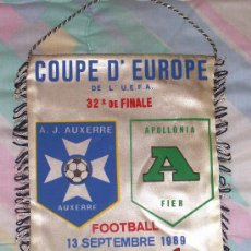 Coleccionismo deportivo: BANDERIN DE FUTBOL // CONMEMORATIVO COPA UEFA 1989 - 1990 // AUXERRE - APOLLONIA. Lote 16796360