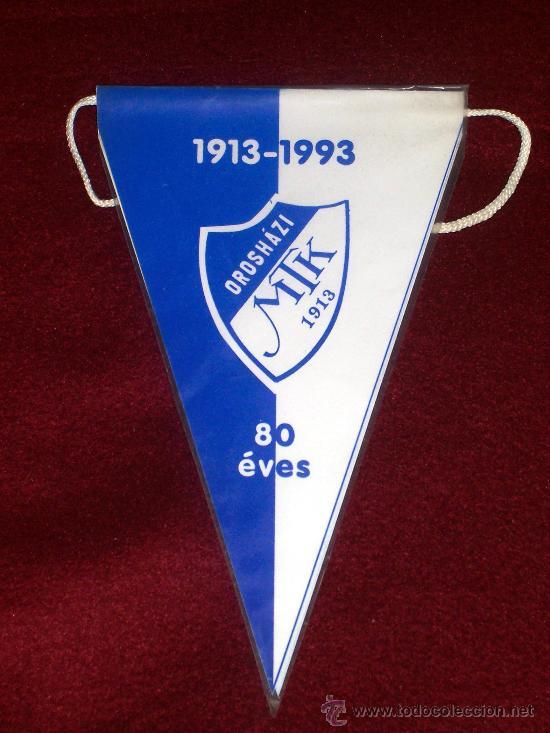 BANDERIN DE FUTBOL // MTK // HUNGRIA // 20 CM DE LARGO // PLASTICO (Coleccionismo Deportivo - Banderas y Banderines de Fútbol)