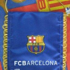 Coleccionismo deportivo: BARÇA FC BARCELONA BANDERIN ESCUDO DEL CF BARCELONA 16X13 CENTIMETROS MIREN FOTO ES EL MISMO. Lote 19672241