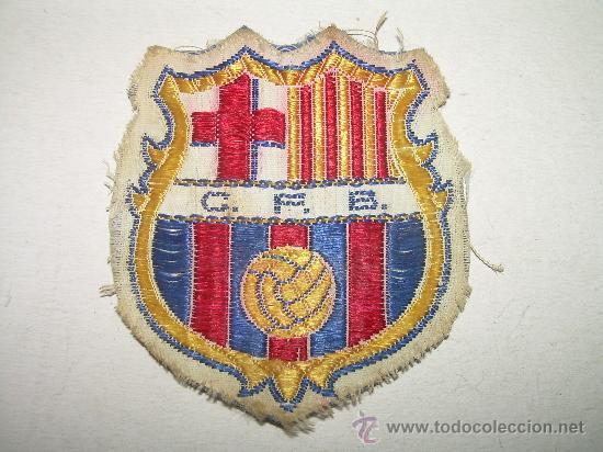 ANTIGUO ESCUDO DE TELA...........C.F. BARCELONA (Coleccionismo Deportivo - Banderas y Banderines de Fútbol)