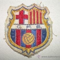 Coleccionismo deportivo: ANTIGUO ESCUDO DE TELA...........C.F. BARCELONA. Lote 25300935