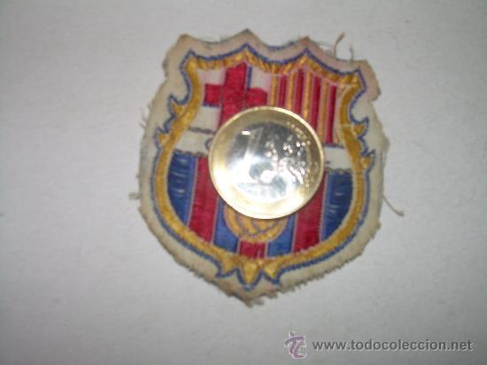 Coleccionismo deportivo: ANTIGUO ESCUDO DE TELA...........C.F. BARCELONA - Foto 3 - 25300935