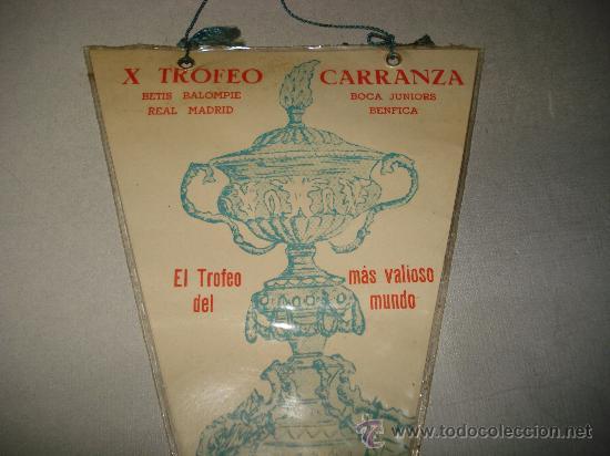 Coleccionismo deportivo: Antiguo Banderin del X Trofeo Carranza del año 1964.Betis B.. Real Madrid. Boca Juniors. Benfica. - Foto 2 - 25930459