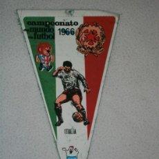 Coleccionismo deportivo: BANDERIN DE FUTBOL MUY ANTIGUO CAMPEONATO DEL MUNDO DE FUTBOL 1966 ITALIA GIOR. Lote 26089509