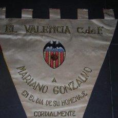 Coleccionismo deportivo: (M) FC BARCELONA - EL VALENCIA C DE F A MARIANO GONZALVO EN EL DIA DE SU HOMENAJE FEBRERO 1962. Lote 26368353