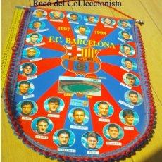 Coleccionismo deportivo: BANDERIN FUTBOL CLUB BARCELONA . 47 X 32 AÑO: 1997 / 98. VAL GAAL EJ. CON Nº LICENCIA ¡MAGNIFICO!! . Lote 27858298