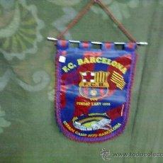 Coleccionismo deportivo: F.C. BARCELONA --BANDERIN FIRMADO POR LOS JUGADORES DEL F.C.BARCELONA ORIGINAL, . Lote 29110759