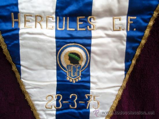 BANDERIN FUTBOL , HERCULES DE ALICANTE AL VALENCIA CF 23-3-1975 , ORIGINAL (Coleccionismo Deportivo - Banderas y Banderines de Fútbol)