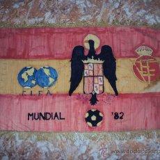 Coleccionismo deportivo: (F-99)BANDERA ARTESANAL MUNDIAL 82 (100 X 60CM.). Lote 30557686