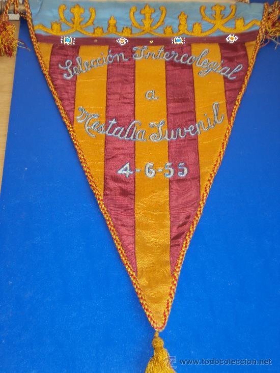 (BB-3)BANDERIN FUTBOL SELECCION INTERCOLEGIAS A MESTALLA JUVENIL 4-6-55 (Coleccionismo Deportivo - Banderas y Banderines de Fútbol)