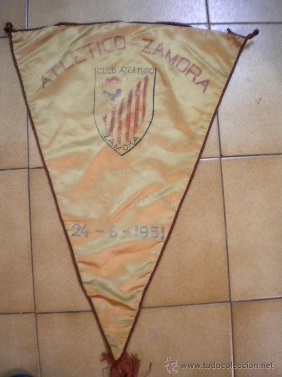 BANDERIN CLUB ATLETICO ZAMORA 24-6-1951 AL U.D.SAN MARTIN. (Coleccionismo Deportivo - Banderas y Banderines de Fútbol)