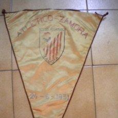 Coleccionismo deportivo: BANDERIN CLUB ATLETICO ZAMORA 24-6-1951 AL U.D.SAN MARTIN.. Lote 30660426