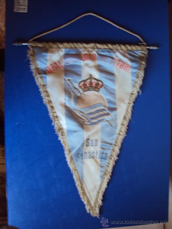 (BA-69)BANDERIN GRANDE AÑOS 70 REAL SOCIEDAD(27 X 39 CM.) (Coleccionismo Deportivo - Banderas y Banderines de Fútbol)