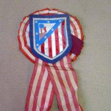 Coleccionismo deportivo: ANTIGUO Y RARO, PIN O INSIGNIA DE CAMISA, ATLETICO DE MADRID. Lote 30806635