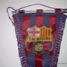 Coleccionismo deportivo: ANTIGUO BANDERIN DE TELA....C.F. BARCELONA. Lote 30954613