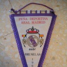 Coleccionismo deportivo: BANDERIN PEÑA DEPORTIVA REAL MADRID DE BRUSELAS 1964.. Lote 31111539