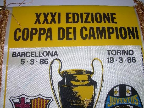 Coleccionismo deportivo: BANDERIN FUTBOL CLUB BARCELONA - JUVENTUS F.C....FIRMADO POR URRUTI Y PEDRAZA. - Foto 2 - 31257606