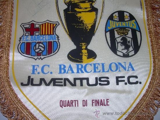 Coleccionismo deportivo: BANDERIN FUTBOL CLUB BARCELONA - JUVENTUS F.C....FIRMADO POR URRUTI Y PEDRAZA. - Foto 4 - 31257606