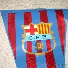 Coleccionismo deportivo: ANTIGUO BANDERIN DE TELA....C.F. BARCELONA....TAMAÑO GRANDE... 46 CM.. Lote 32099814