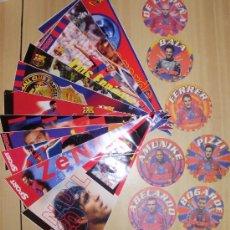 Coleccionismo deportivo: BANDERIN - FUTBOL CLUB BARCELONA LOTE DE 12 BANDERINES Y 8 POSAVASOS. Lote 32703225