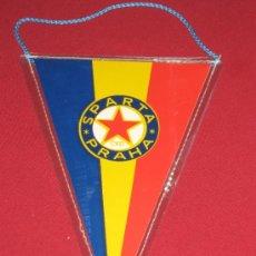 Coleccionismo deportivo: BANDERIN DEL SPARTA DE PRAGA . Lote 33045073