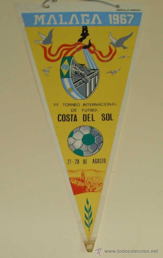 BANDERÍN FÚTBOL. AÑOS 50 60. TROFEO COSTA DEL SOL. AÑO 1967. CLUB DEPORTIVO MÁLAGA. 31 CM (Coleccionismo Deportivo - Banderas y Banderines de Fútbol)