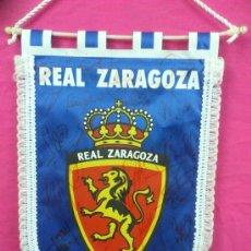 Coleccionismo deportivo: FUTBOL. REAL ZARAGOZA. BANDERIN DEL REAL ZARAGOZA FIRMADO POR SUS JUGADORES... . Lote 34222553
