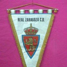 Coleccionismo deportivo: BANDERIN FUTBOL REAL ZARAGOZA C.D. GRANDES DIMENSIONES.. Lote 34604883