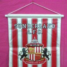 Coleccionismo deportivo: BANDERIN FUTBOL ESCUDO SUNDERLAND A.F.C. ( INGLATERRA ). GRANDES DIMENSIONES. Lote 34610085