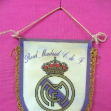 Coleccionismo deportivo: BANDERIN FUTBOL REAL MADRID. Lote 35528602