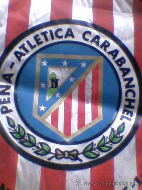 Coleccionismo deportivo: Banderin firmado futbol 1983 84 peña atletica carabanchel autografos plantilla At Madrid atletico - Foto 2 - 36502545