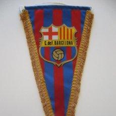 Coleccionismo deportivo: BANDERÍN ANTIGUO DEL CLUB DE FUTBOL BARCELONA. Lote 37052234